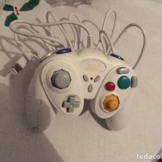 Videojuegos y Consolas: MANDO BLANCO GAMECUBE GAME CUBE NINTENDO COMPATIBLE PRIMEROS MODELO WII. Lote 146037478