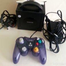 Videojuegos y Consolas: CONSOLA GAMECUBE NEGRA CON MANDO Y CABLES. Lote 173790332