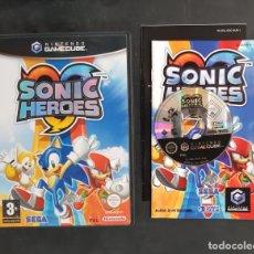 Videojuegos y Consolas: NINTENDO GAMECUBE - JUEGO SONIC HEROES PAL ESPAÑA COMPLETO RARO!!!!. Lote 182268213