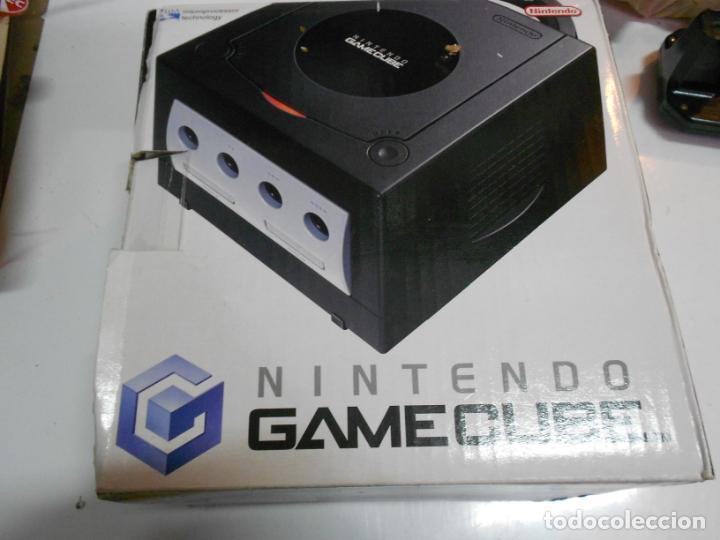 Videojuegos y Consolas: ANITGUA CONSOLA GAMECUBE CON ACCESORIOS VARIOS, JUEGO Y CAJA - Foto 3 - 201494406