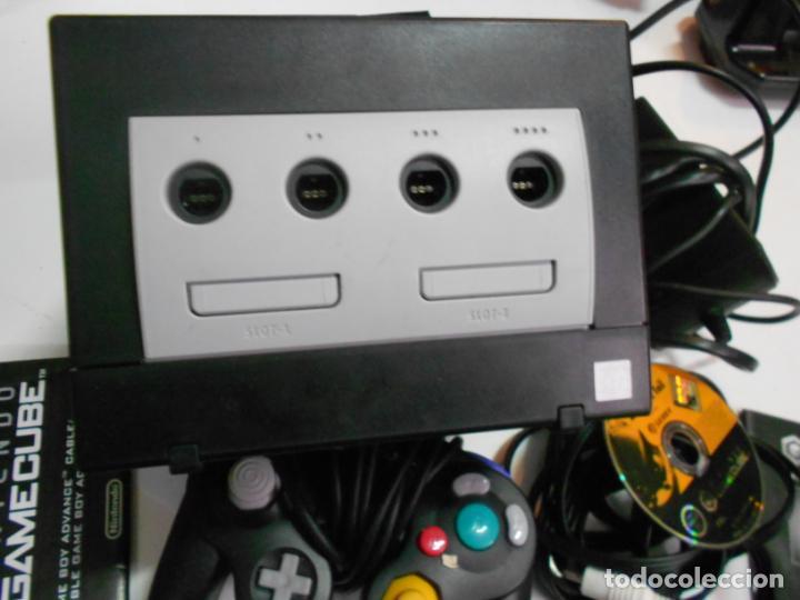 Videojuegos y Consolas: ANITGUA CONSOLA GAMECUBE CON ACCESORIOS VARIOS, JUEGO Y CAJA - Foto 4 - 201494406