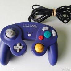 Videojuegos y Consolas: MANDO CONTROLLER OFICIAL LILA PÚRPURA NINTENDO GAMECUBE. Lote 204732798