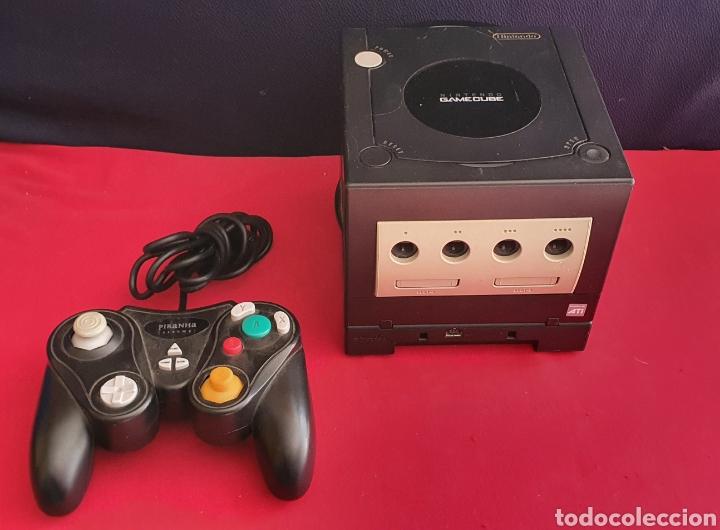 NINTENDO GAMECUBE COLOR NEGRO CON EL MANDO NO ESTAN PROBADOS (Juguetes - Videojuegos y Consolas - Nintendo - Gamecube)