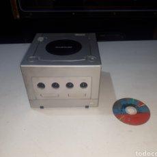 Videojuegos y Consolas: CONSOLA NINTENDO GAMECUBE Y JUEGO ROBOTS INCLUIDO. Lote 260580290