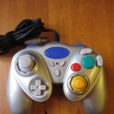 Videojuegos y Consolas: MANDO NINTEDO GAMECUBE O WII GENERICO GRIS. Lote 277204053
