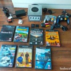 Videojuegos y Consolas: CONSOLA GAMECUBE PLATA CON MANDOS Y JUEGOS. Lote 293896638