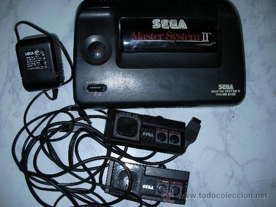 ANTIGUA CONSOLA SEGA MASTER SYSTEM II POWER BASE CON MANDOS Y TRANSFORMADOR (Juguetes - Videojuegos y Consolas - Sega - Master System)