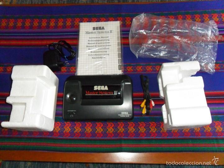 Videojuegos y Consolas: CONSOLA SEGA MASTER SYSTEM II ALEX KIDD EN CAJA COMPLETA CON 2 JOYSTICK DISTINTOS. MBE. - Foto 2 - 167946565