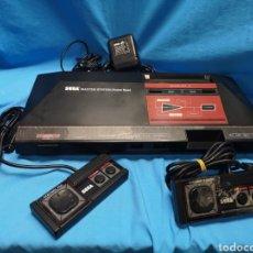 Videojuegos y Consolas: MÁSTER SYSTEM MODELO 1 CON JUEGO HANG ON EN MEMORIA. FUNCIONA. Lote 152014877