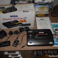 Videojuegos y Consolas: CONSOLA SEGA MASTER SYSTEM CON TODOS SUS CABLES Y 1 JUEGO EN MEMORIA PAL ESPAÑA. Lote 176023735