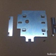 Videojuegos y Consolas: SEGA MEGACD 2 MEGA CD 2 II CHAPAS FIJACION PARA MEGADRIVE + TORNILLO ORIGINAL. Lote 100425067