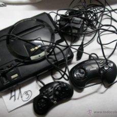 Videojuegos y Consolas: ANTIGUA CONSOLA SEGA MEGADRIVE CON DOS MANDOS Y TRANSFORMADOR. Lote 46235598