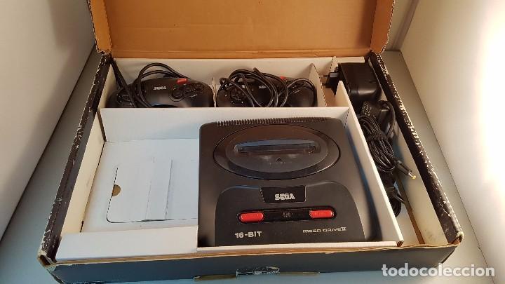 Videojuegos y Consolas: consola mega drive 2 con caja, incluye dos mandos y cables. - Foto 2 - 113972098