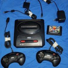 Videojuegos y Consolas: SEGA MEGA DRIVE II CONSOLA VINTAGE SEGA MEGADRIVE 2 MANDOS CABLES Y UN JUEGO. Lote 102785964
