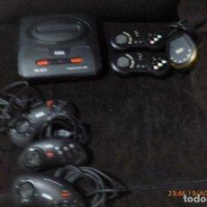 Videojuegos y Consolas: SEGA MEGADRIVE Y MANDOS. Lote 131134112