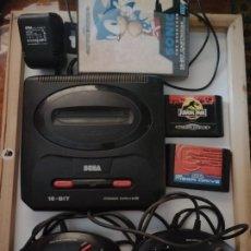 Videojuegos y Consolas: CONSOLA SEGA MEGA DRIVE II 16-BIT Y VARIOS JUEGOS Y DOS MANDOS.. Lote 183039621