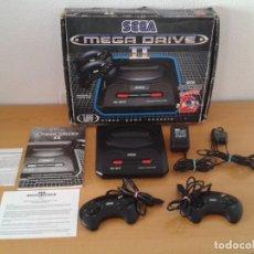 Videogiochi e Consoli: SEGA MEGA DRIVE II 2 COMPLETA CON CAJA + MANUALES BOXED CIB MAGNIFICO ESTADO PAL R10539. Lote 199839815