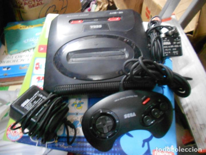 ANTIGUA CONSOLA SEGA MEGADRIVE II CON SUS ACCESORIOS Y MANDO (53.1) (Juguetes - Videojuegos y Consolas - Sega - MegaDrive)