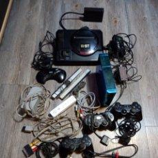 Videojuegos y Consolas: LOTE MEGA DRIVE 16 BIT ,MAS CABLES ,MANDOS PLAY Y WII. Lote 289911088