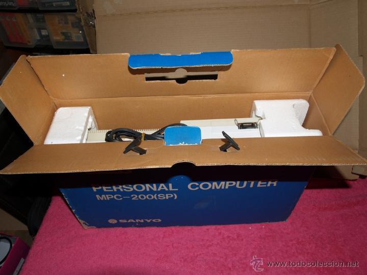 Videojuegos y Consolas: ORDENADOR MSX SANYO MPC-200 EN CAJA CON CORCHOS Y CABLEADO ORIGINAL - Foto 2 - 54146046