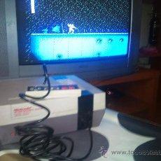 Videojuegos y Consolas: NINTENDO NES FUNCIONANDO CON UN MANDO. Lote 24233063
