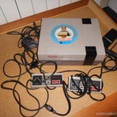 Videojuegos y Consolas: CONSOLA NINTENDO NES PAL 8 BIT ORIGINAL CON TODOS SUS CABLES Y 2 MANDOS. Lote 199156562