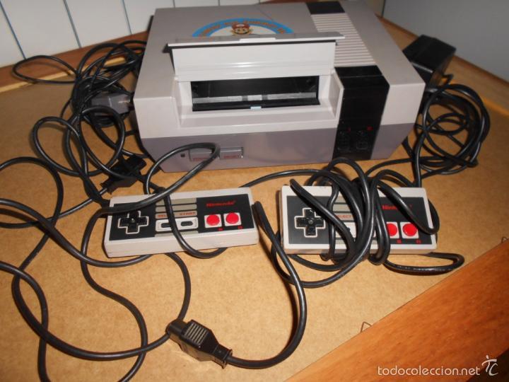 Videojuegos y Consolas: Consola Nintendo NES PAL 8 Bit original con todos sus cables y 2 mandos - Foto 3 - 56745056
