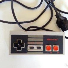 Videojuegos y Consolas: MANDO ORIGINAL NINTENDO NES. EN BUEN ESTADO.. Lote 85119580
