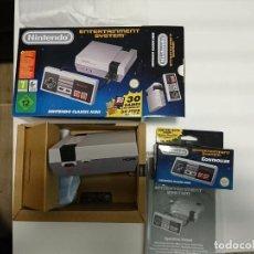 Videojuegos y Consolas: NINTENDO NES MINI ORIGINAL MÁS MANDO EXTRA CONTROLLER. Lote 99485303