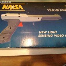 Videojuegos y Consolas: PISTOLA EN CAJA NASA HV-2 CLON NES NINTENDO. Lote 102072219