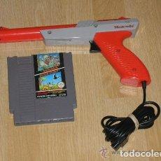 Videojuegos y Consolas: PISTOLA ORIGINAL NINTENDO NES Y 2 JUEGOS SUPER MARIO BROS Y DUCK HUNT. Lote 105804719