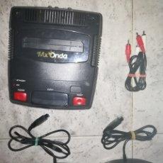 Videojuegos y Consolas: CONSOLA ORIGINAL MX ONDA PAL B ESPAÑA CON DOS MANDOS PARA JUEGOS NINTENDO NES. Lote 113184570
