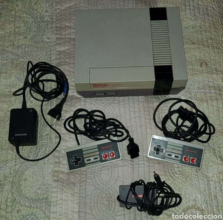 VINTAGE NINTENDO NES COMPLETA CON 2 MANDOS ORIGINALES Y CABLE ANTENA (Juguetes - Videojuegos y Consolas - Nintendo - Nes)