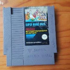 Videojuegos y Consolas: JUEGO NINTENDO NES SUPER MARIO BROS VERSION ESPAÑOLA 1985 CARTUCHO. Lote 172821940