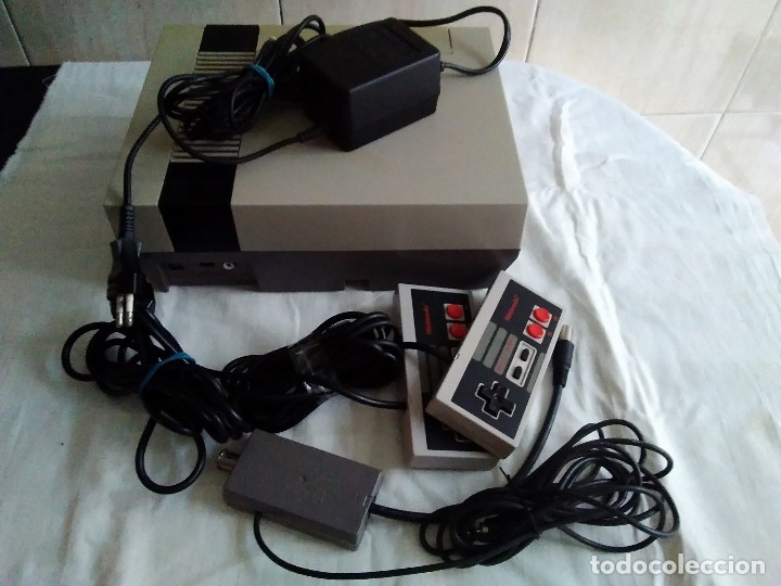 Videojuegos y Consolas: 1-CONSOLA NINTENDO NES VERSION ESPAÑOLA 1987 - Foto 26 - 174016592