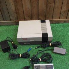 Videojogos e Consolas: CONSOLA NINTENDO NES COMPLETA. Lote 209187565