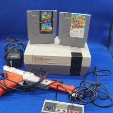 Videojuegos y Consolas: NINTENDO NES ENTERTAINMENT SYSTEM VERSION ESPAÑOLA ZAPPER. CON DOS JUEGOS. Lote 226472475