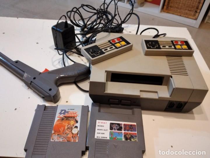 M-2 NINTENDO NES CONSOLA CON ACCESORIOS Y DOS JUEGOS SIN COMPROBAR LAS DE FOTO (Juguetes - Videojuegos y Consolas - Nintendo - Nes)