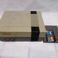 Videojuegos y Consolas: CONSOLA NINTENDO ENTERTAINMENT SYSTEM NESE 001 AÑOS 1985 CON JUEGO MARIO BROS. Lote 235819940
