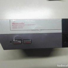 Videojuegos y Consolas: CONSOLA DE JUEGO NINTENDO NES + MANDO Y CABLES. Lote 243426885