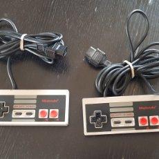 Videojuegos y Consolas: PAREJA DE MANDOS NINTENDO NES. Lote 244023980
