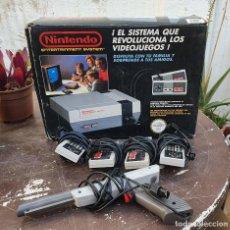 Videogiochi e Consoli: CONSOLA NINTENDO NES VERSIÓN PAL ESPAÑOLA - PARA 4 JUGADORES. Lote 264795819