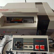 Videojuegos y Consolas: CONSOLA NINTENDO NES FUNCIONANDO CON JUEGO. Lote 280683048