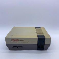 Videojuegos y Consolas: CONSOLA NINTENDO NES - FUNCIONANDO - SOLO CONSOLA. Lote 288570043
