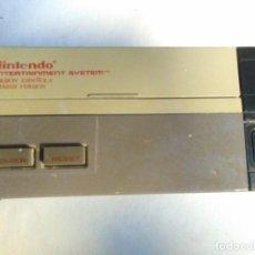 Videogiochi e Consoli: CONSOLA NINTENDO ENTERTAINMENT SYSTEM VERSION ESPAÑOLA MODELO NO. NESE-001 1987. Lote 291250903