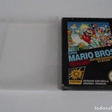Videojuegos y Consolas: NINTENDO NES - SUPER MARIO BROS VER. ESPAÑOLA + FUNDA PROTECTORA PARA CAJA EXTERIOR. Lote 297101388