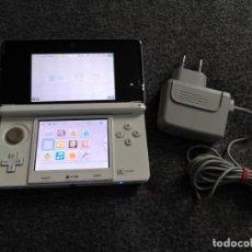 Videojuegos y Consolas: NINTENDO 3DS BLANCA + CARGADOR. Lote 213624802
