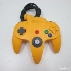 Videojuegos y Consolas: CONTROLLER OFICIAL NINTENDO 64 AMARILLO N64. Lote 128620631