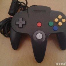 Videojuegos y Consolas: NINTENDO 64 MANDO CONTROLLER NEGRO BLACK ORIGINAL NUS-005 MAGNIFICO N64 LEER R10386. Lote 218229117