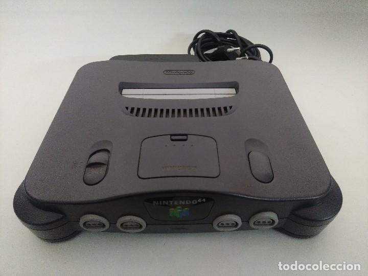 Videojuegos y Consolas: CONSOLA NINTENDO 64 CON DOS MANDOS. - Foto 2 - 234919755